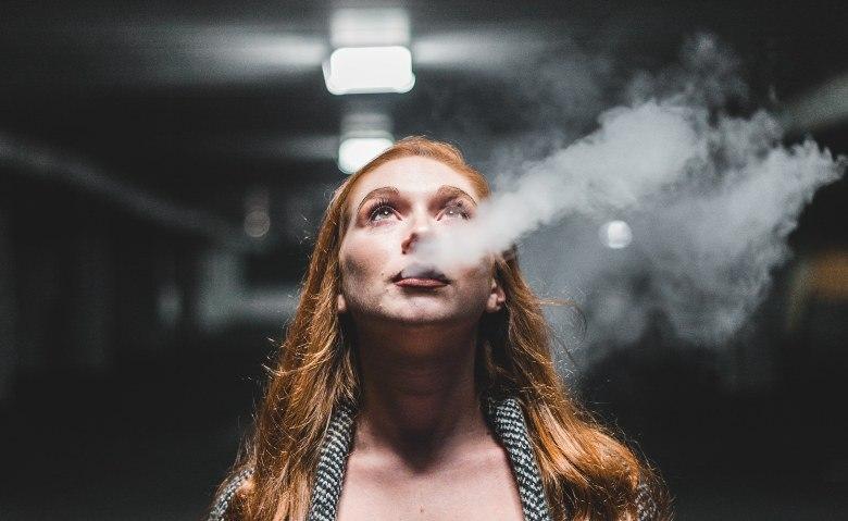 electronic cigarette vaporizes e liquid