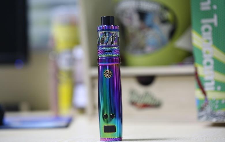 electronic cigarette with e liquid